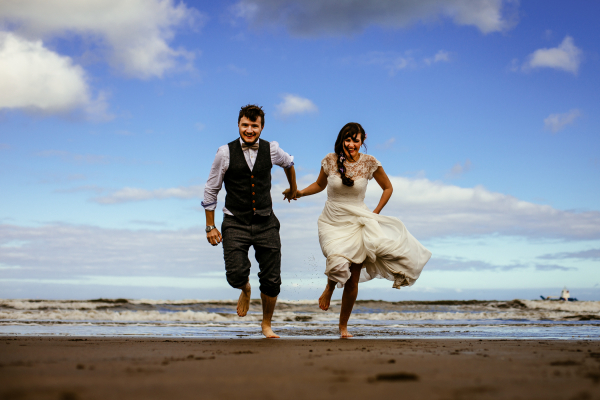CHARLOTTE & MIKE - Beach Wedding