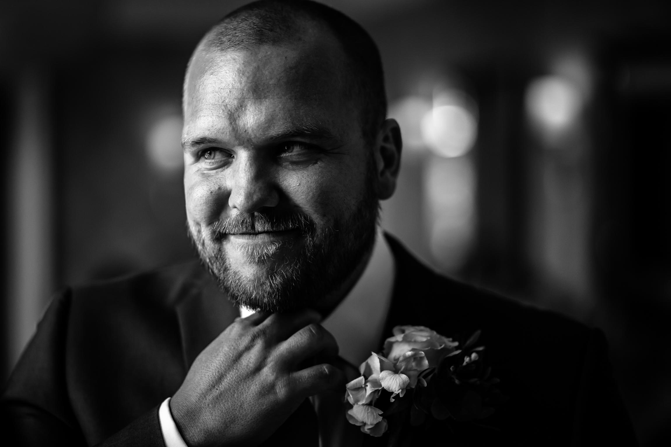 Holly & Mark - Falcon Manor wedding photography Sansom Photography-18