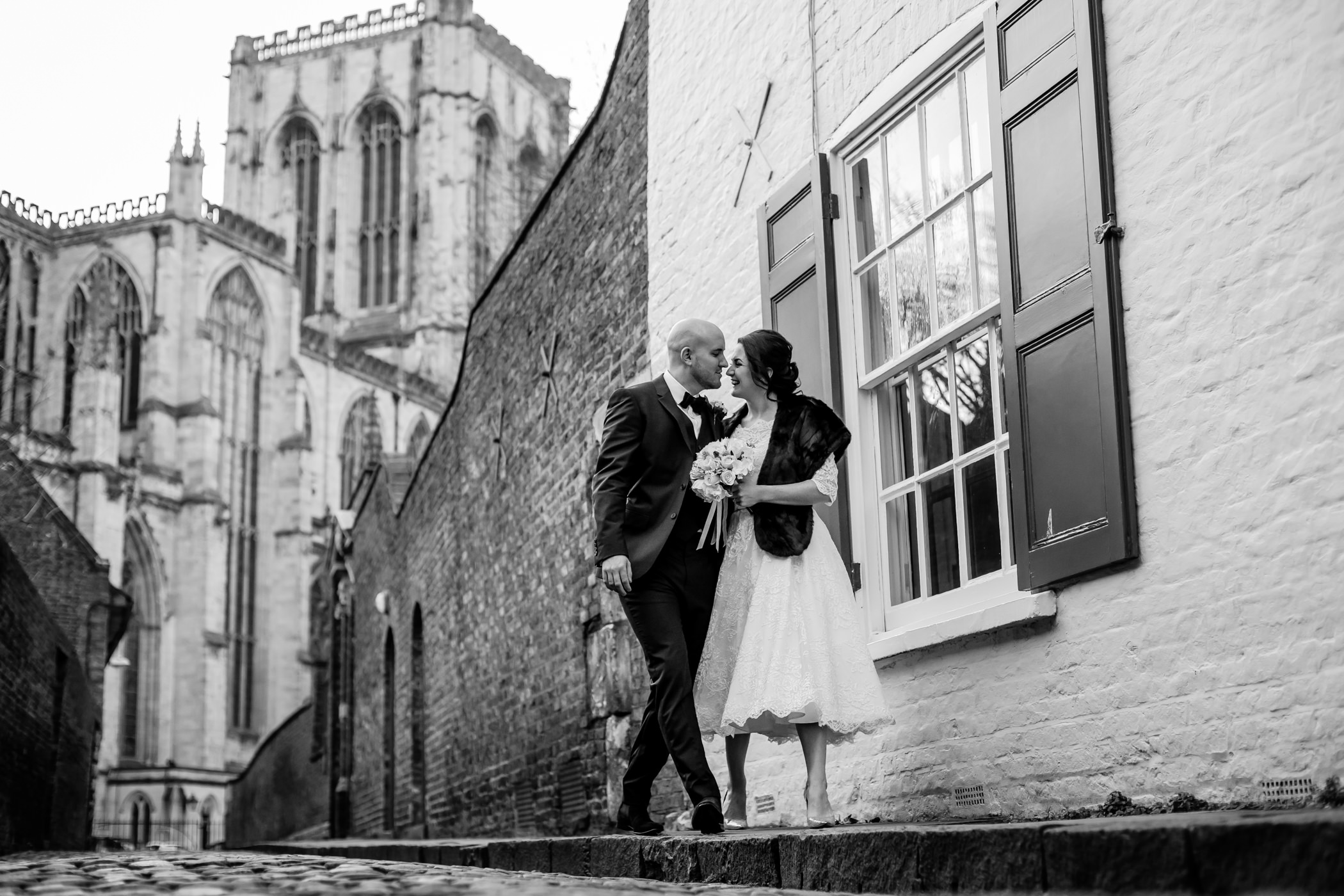 Georgie & steve - Sansom photography Grays Court York Wedding-19