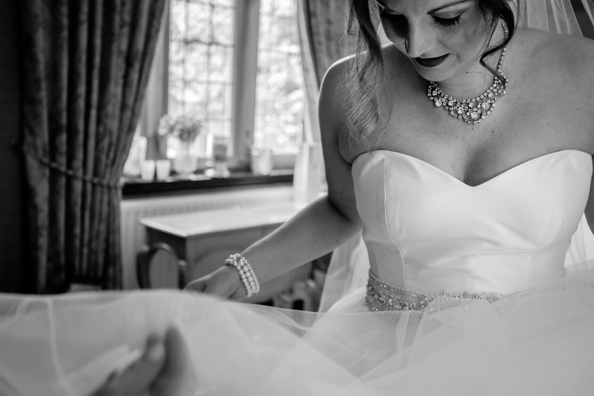 Holly & Mark - Falcon Manor wedding photography Sansom Photography-12