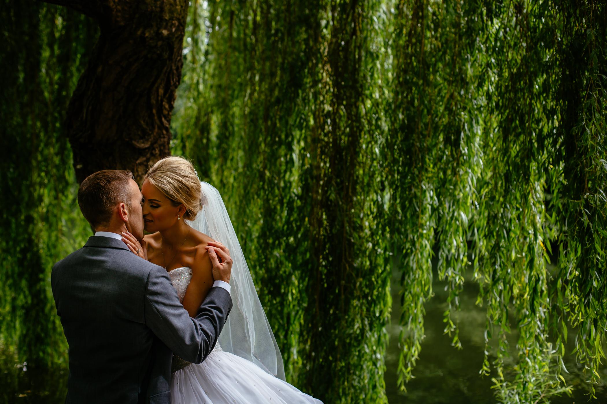 Lisa & Neil - Sansom Photography Harewood House Yorkshire Wedding Photography-30