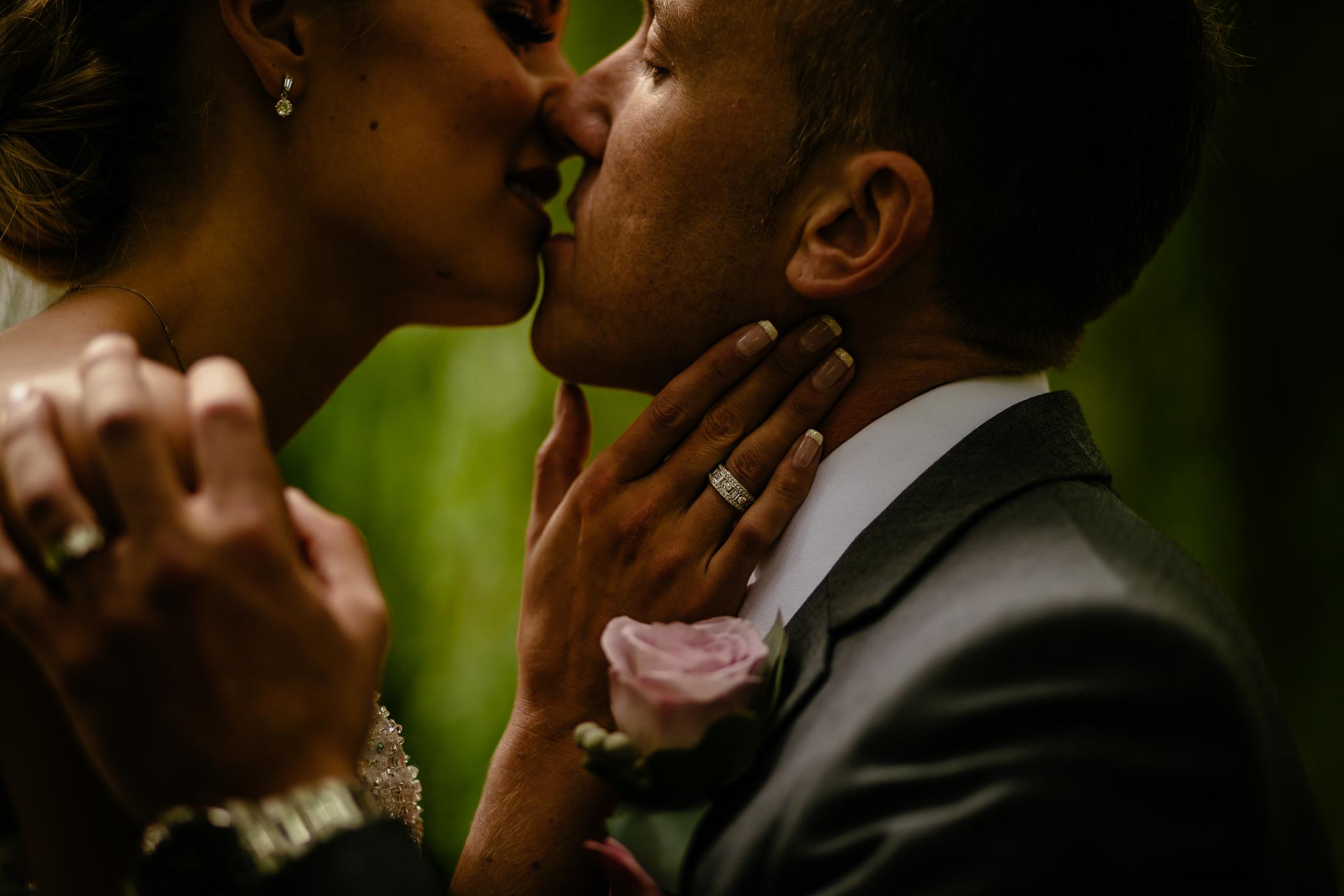 Lisa & Neil - Sansom Photography Harewood House Yorkshire Wedding Photography-31