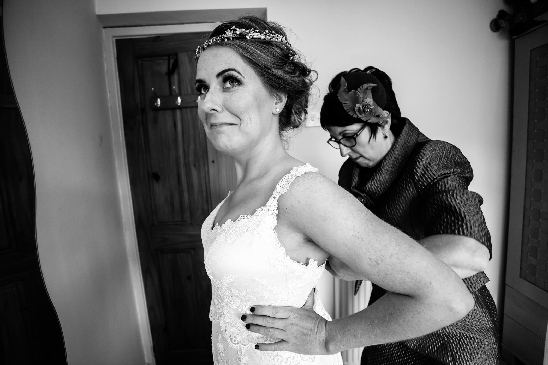Charlotte & George - Sansom Photography Oakwell Hall Wedding-43