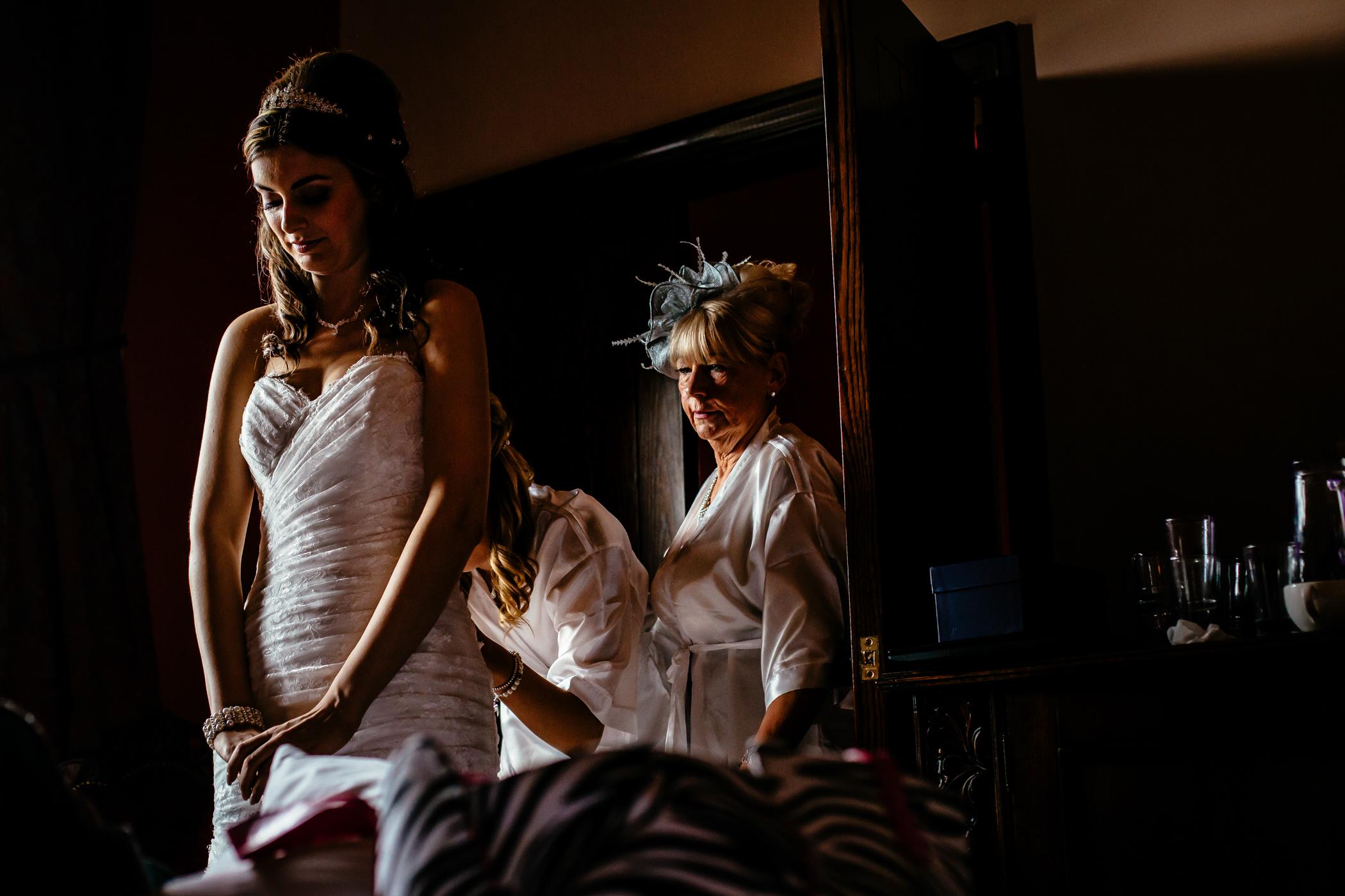 Emma & Alex Peckforton castle wedding - Sansom Photography-7