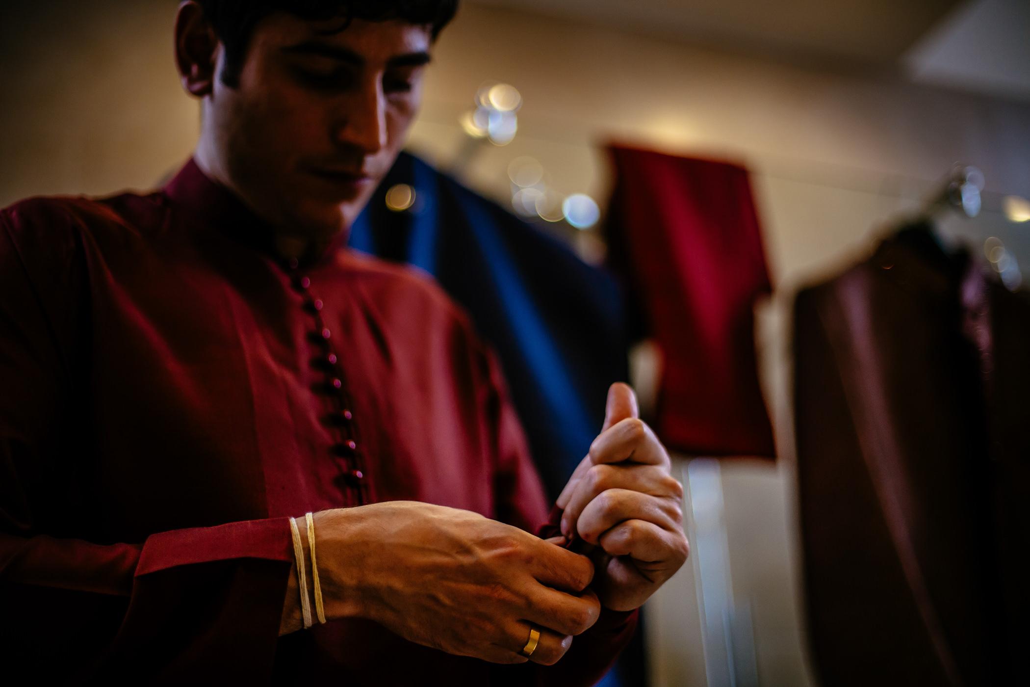Mekhala & Gareth - Sansom Photography Barmbyfield Barns Wedding York-4