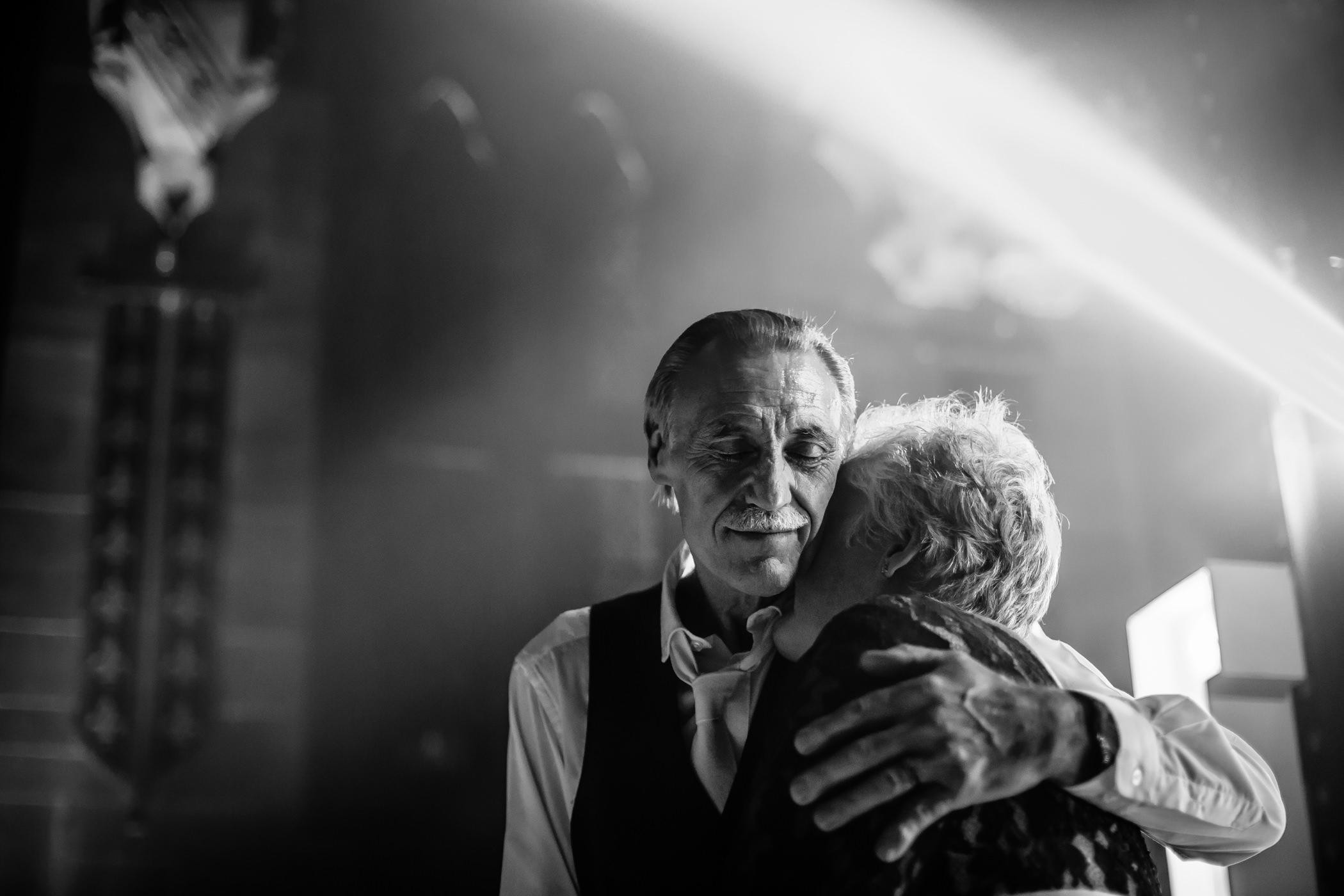 Ant & Louise NYE Peckforton Castle Wedding- Sansom Photography-65