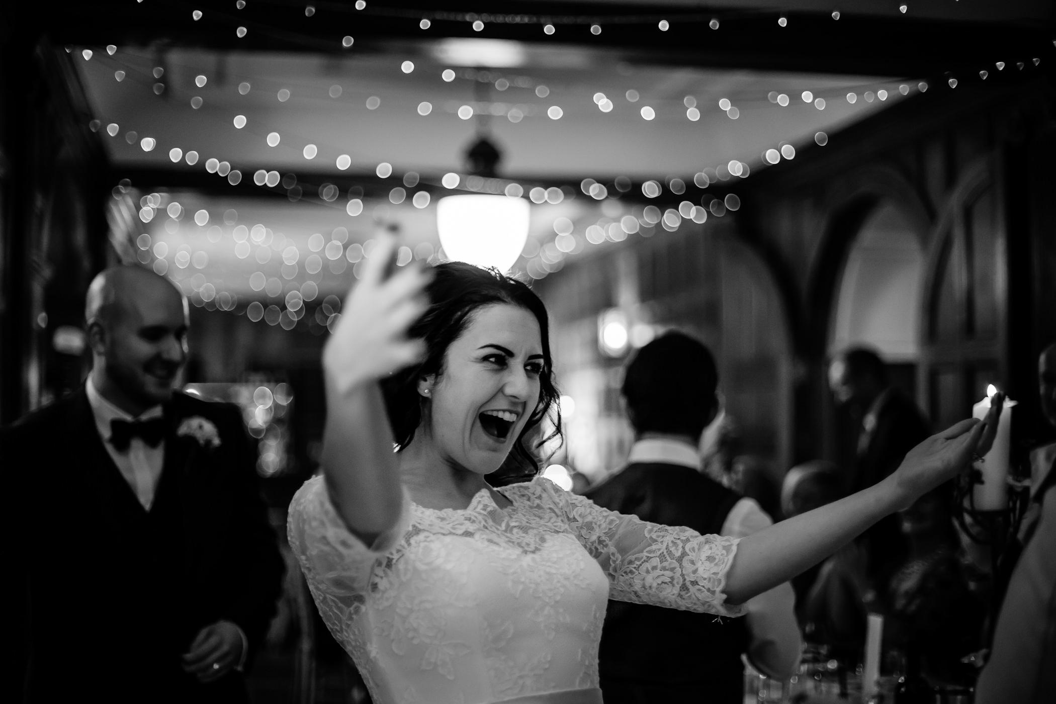 Georgie & steve - Sansom photography Grays Court York Wedding-30