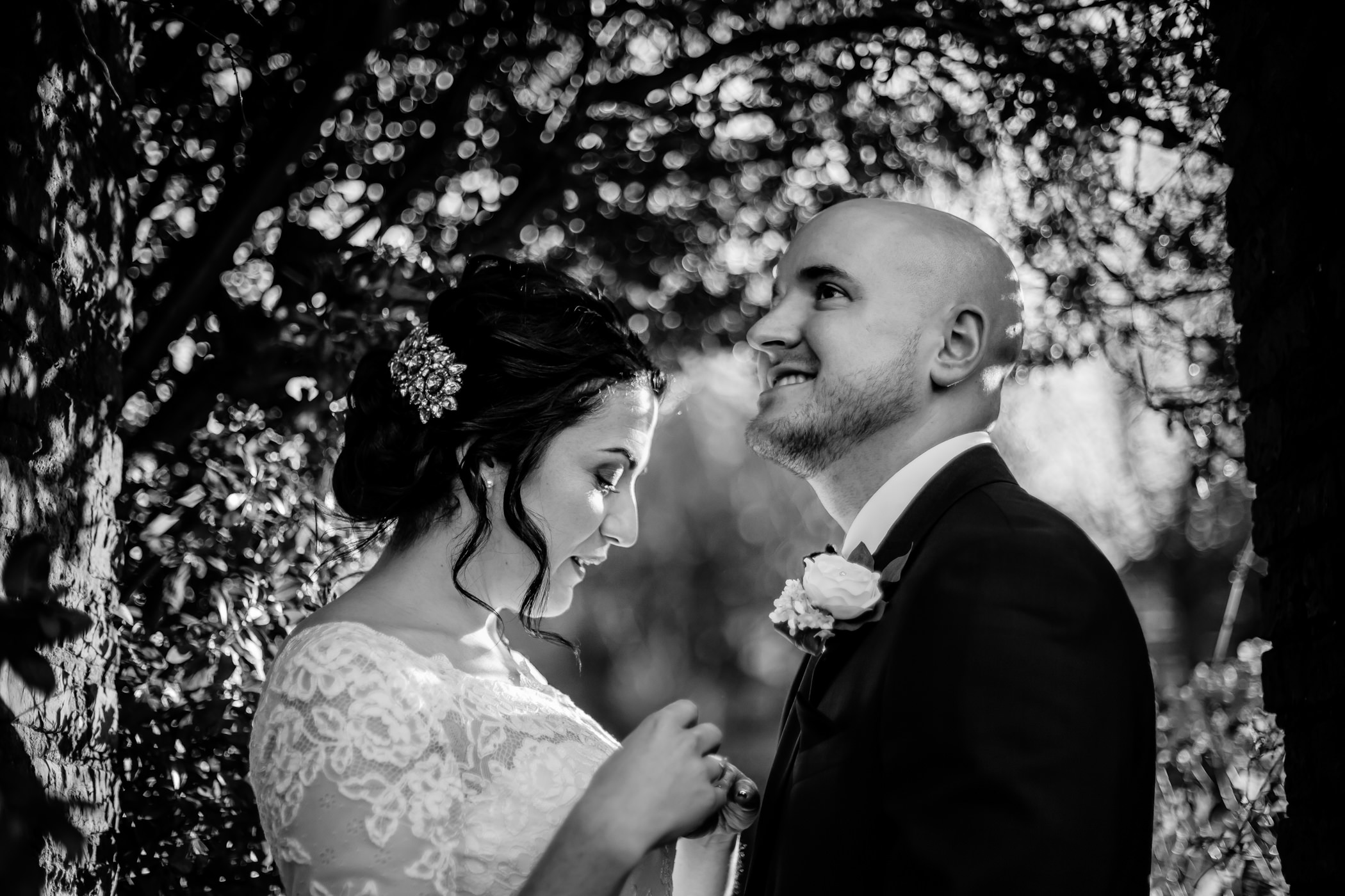 Georgie & steve - Sansom photography Grays Court York Wedding-43