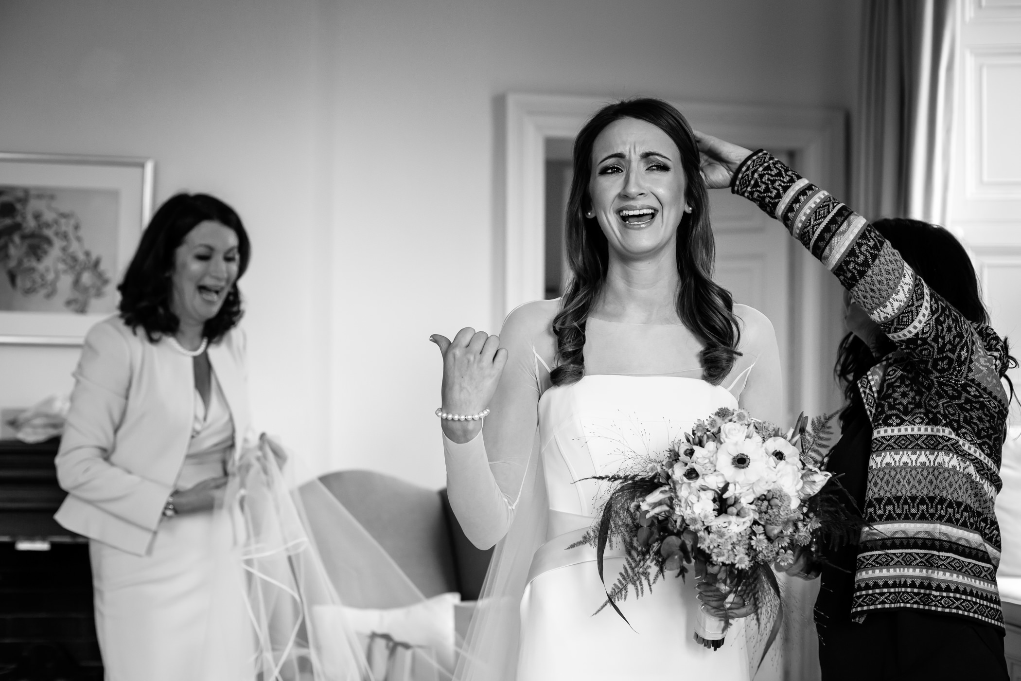 Isobel & Karl - Sansom Photography - Kilshane House Wedding Ireland-47