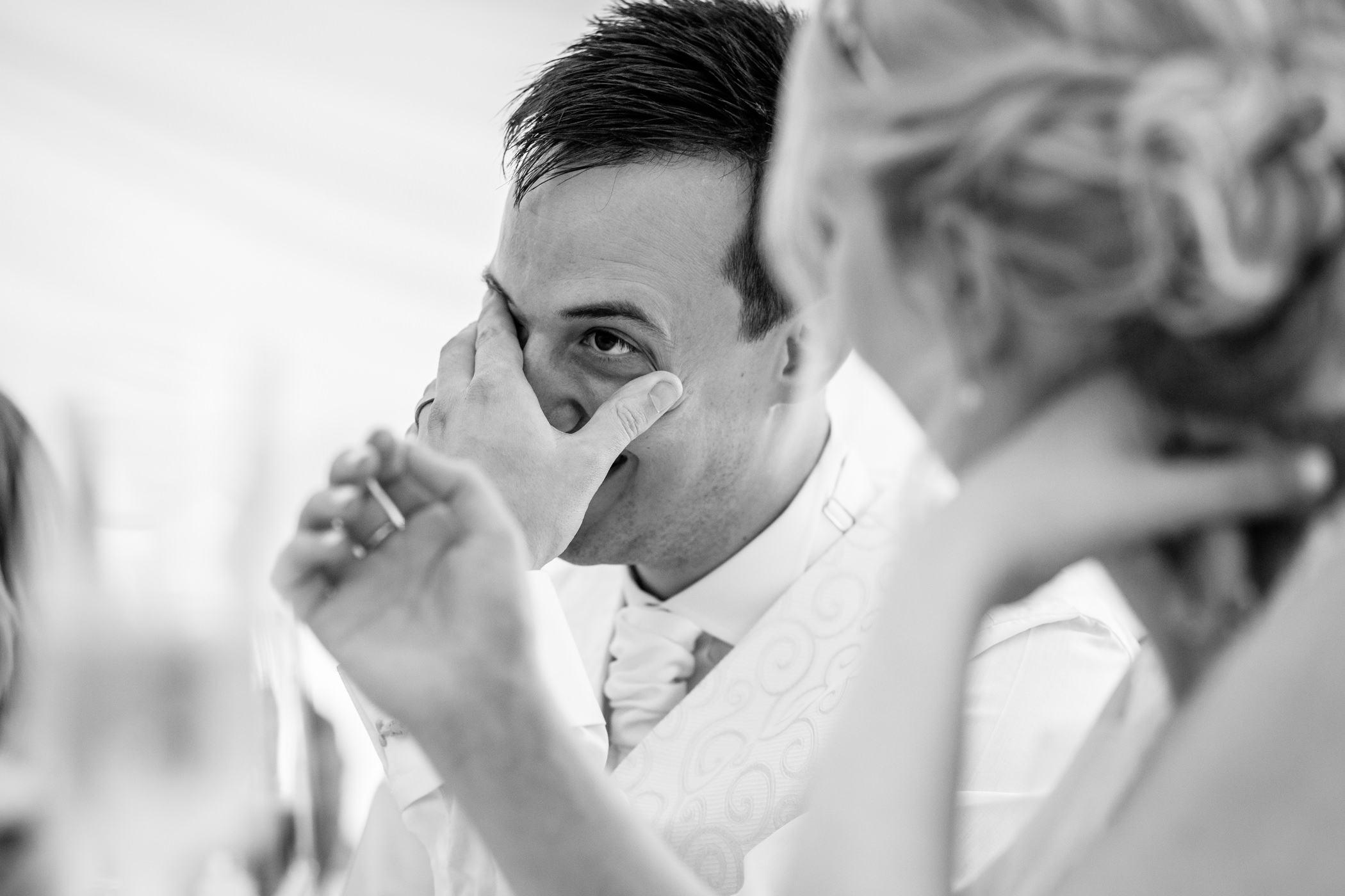 Jess & Mark - Sansom Photography Yorkshire Wedding Photography Skipton-32